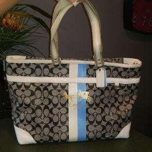 💙Coach Heritage Stripe Diaper XL Weekender Bag